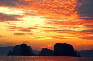 Koyao Island Resort Sunset over the Hong Islands / Photo: tourismthailand blog